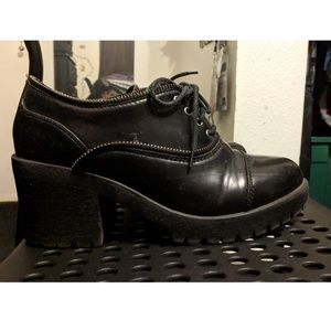 Black italian shoes with zippers (CULT style)